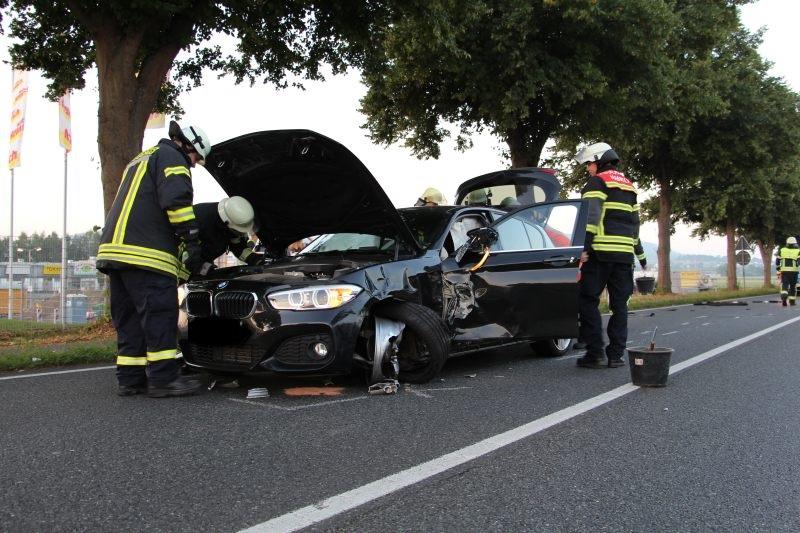 Unfall Auf Der Bundestra 223 E 1 Zwischen Klein Und Gro 223 Berkel