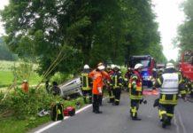 B64 - Unfall - Straßengraben
