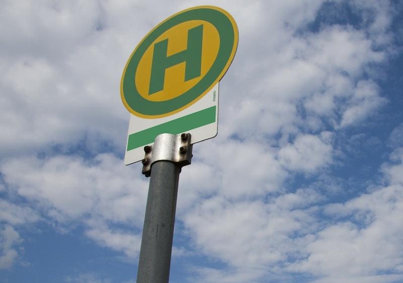 Bushaltestelle - Schild