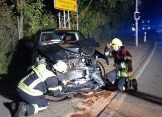 schw. Auto - Unfall Ohdener Landstraße