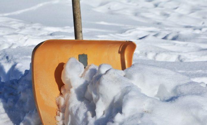 Winterdienst - Schneeschieber