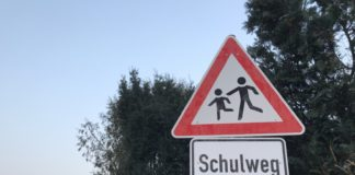 Achtung Schulweg Grundschulen Verkehr