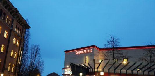 Stadtgalerie - Abend (1)