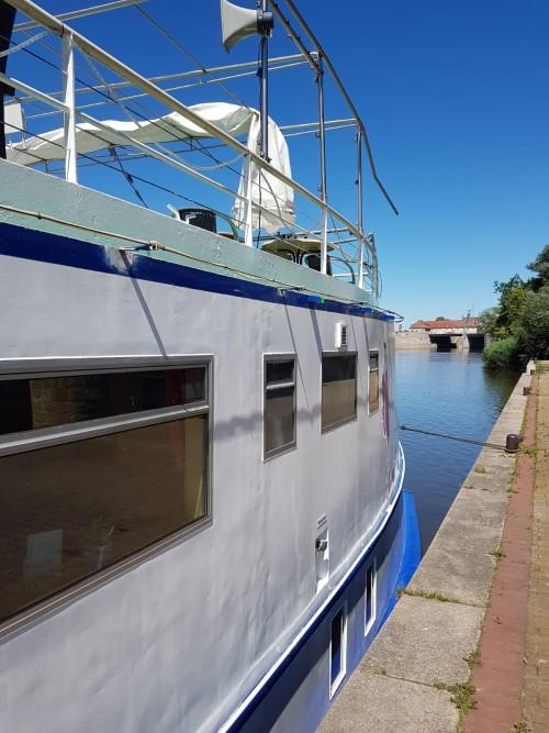 Fahrgastschiff Hameln - beschädigt