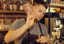 Cocktailmeister Jannik Preusche