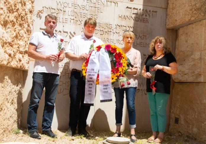 Kranzniederlegung an der Holocaust-Gedenkstätte Yad Vashem