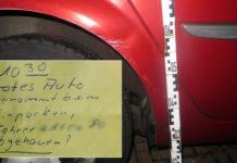 Beschädigtes Auto_Notizzettel