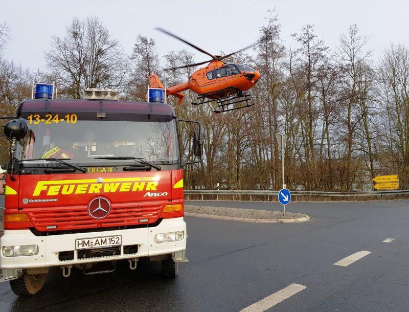 Verkehrsunfall_B442-K72_Feuerwehr_Rettungshubschrauber_Polizei