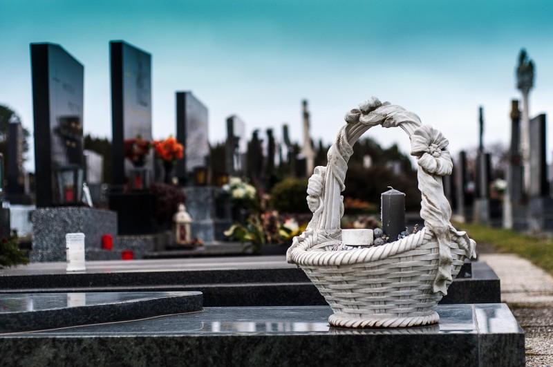 Gräber_Friedhof_Deko