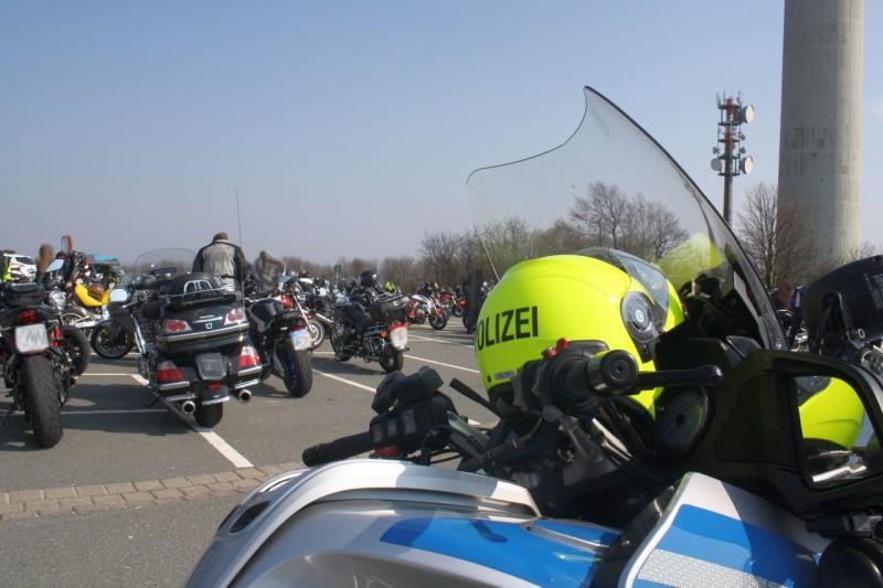 Kontrolle_Motorräder_ Köterberg_Polizei