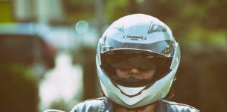 Motorroller_Fahrer_Helm_Pixabay-Alexas_Fotos