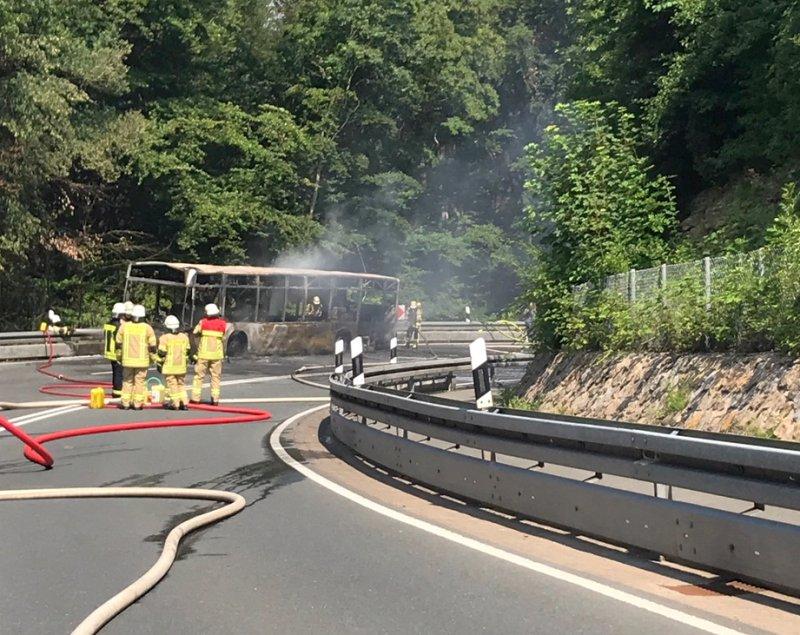 Busbrand_Feuerwehr Lügde