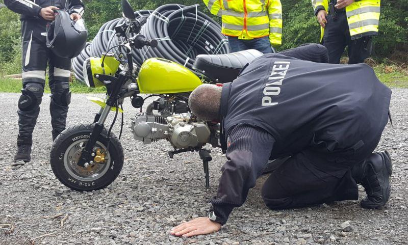 Krad-Kontrolle_Nienstedter Pass_Motorrad