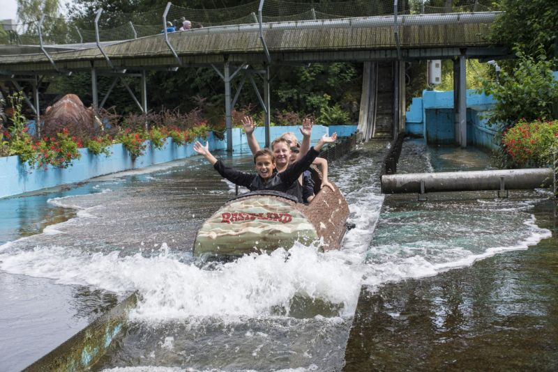 Rasti-Land- Wildwasserbahn