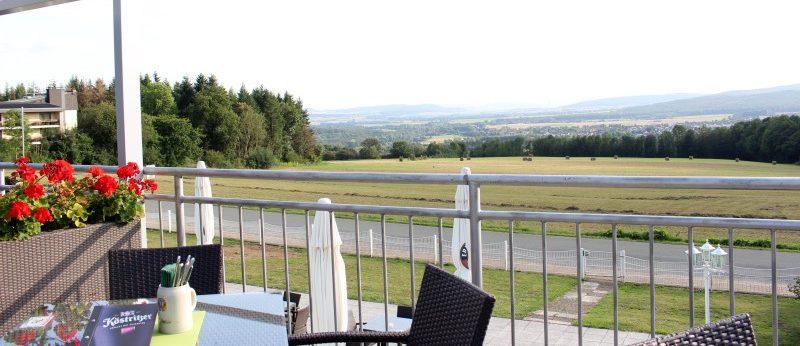 Berggasthaus Ziegenbuche Terrasse Stühle
