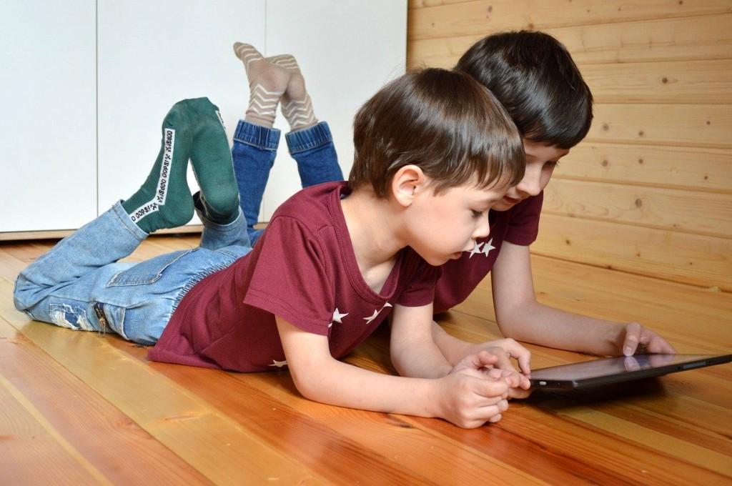 kinder-computer-tablet-internet-pixabay