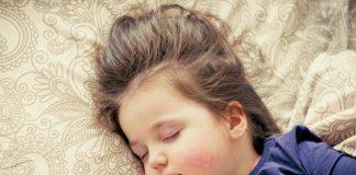 kleinkind-schlafen-pixabay
